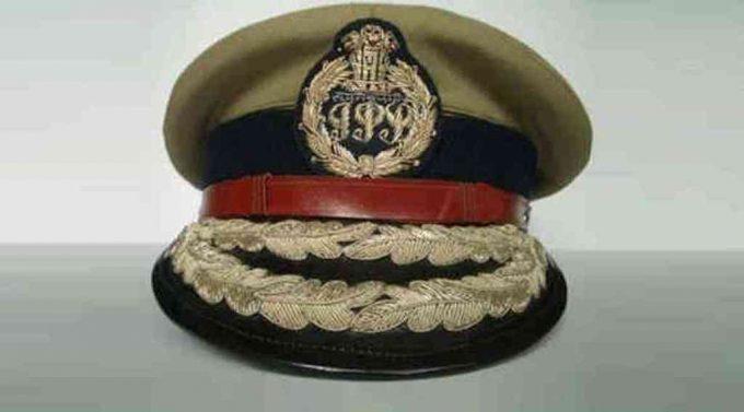 અને જોઈન્ટ પોલીસ કમિશનરે ગાયું ગીત....'' યે દોસ્તી હમ નહિ તોંડેગે''....
